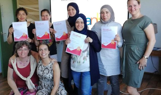 Eerder deze zomer rondden vijf vrouwen bij Da Capo de cursus 'Aan de slag' af. Blije deelnemers én blije  begeleiders. (eigen foto)