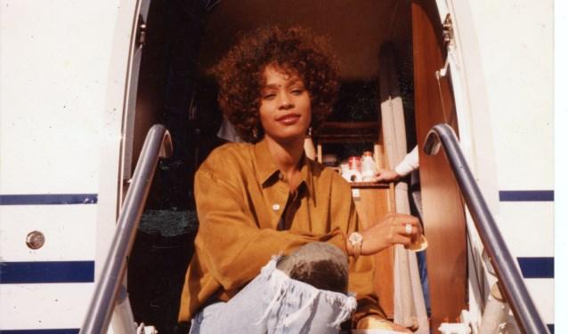 De documentaire over Whitney Houston bevat nog nooit eerder vertoonde beelden van Houston, exclusieve demo-opnamen, zeldzame optredens en interviews.