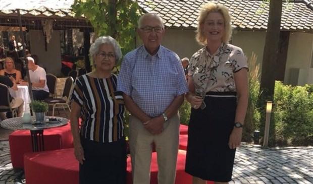 Burgemeester Reinie Melissant-Briene kwam meneer Göbel feliciteren. Foto: gemeente Gorinchem