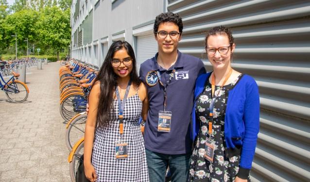 Drie deelnemers van het ISU Space Studies Programma (v.l.n.r.): Palak Singh, Tuva Atasever en Kelly Mulvay (Foto: Susanne Verstegen)