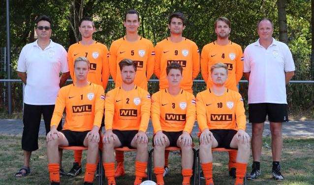 In het team zitten twaalf spelers, allen afkomstig uit Bennekom.