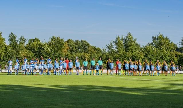 De oefenwedstrijd De Graafschap - Aris Tessaloniki. Foto: Nancy Hahné-Rouwhorst