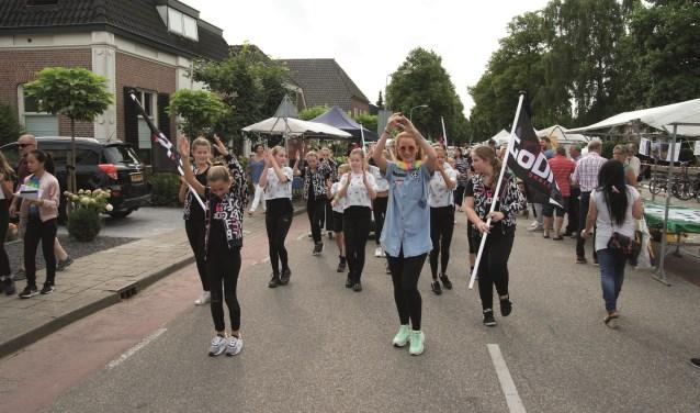 Het is in veel gevallen nog mogelijk aan activiteiten in het kader van Westervoort in Beweging mee te doen. Kijk voor meer info en om je aan te melden op westervoortinbeweging.nl.
