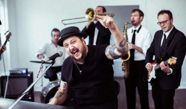 De Amerikaan Josh Hoyer en zijn band Soul Colossal zijn ook van de partij.