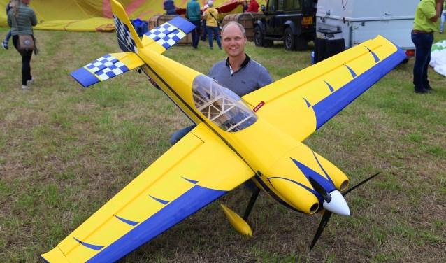 Op beide dagen geeft John van Gastel shows met zijn miniatuurvliegtuigen. Hij doet al vanaf de eerste editie mee.