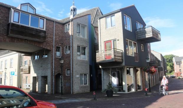 Op deze plek op de hoek Hoofschestraat en Begijnenstraat heeft eerder een ander gebouw gestaan. In de eerste bijeenkomst van Gravelogie laat Jan Timmermans u het zien.