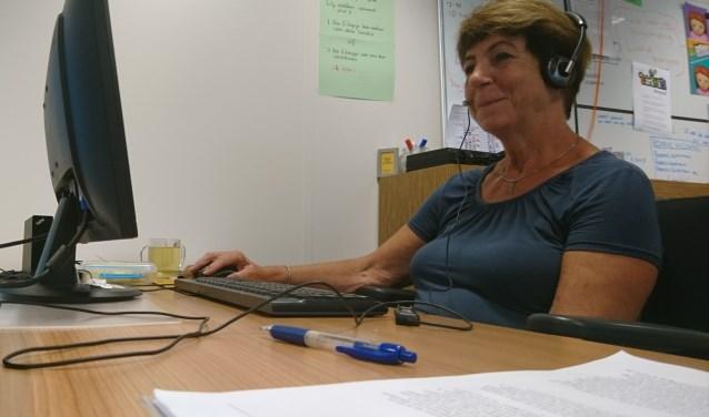 Janny Verberk is al jarenlang vrijwilliger bij de Kindertelefoon Rotterdam.