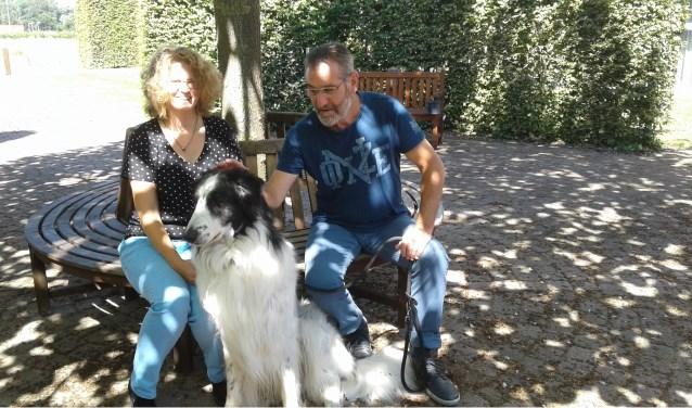 """""""Een huisdier vergroot het welzijn van kwetsbare mensen"""", zeggen Maike de Bont en Jan van Summeren."""