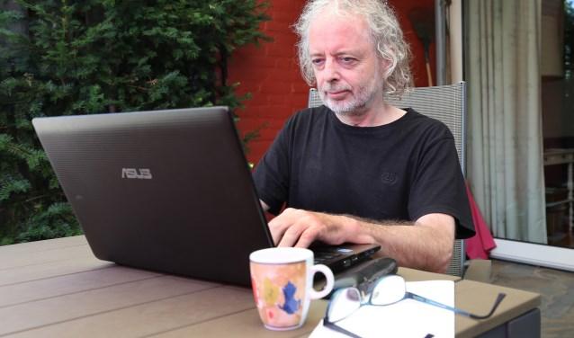 Ruud heeft de smaak goed te pakken en is volop bezig aan een nieuw boek met enkel proza dit keer.