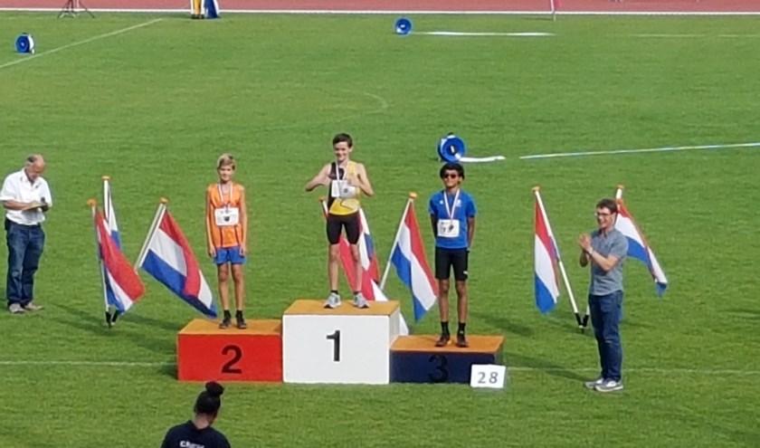 Climax atleet Niels van Rheenen (12) wint het zilver bij het hoogspringen in het Olympisch Stadion.