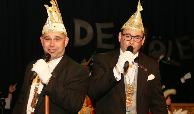 Prins Gerton en adjudant Koen zullen bij de aftrap van het nieuwe seizoen aanwezig zijn. (foto: Marco van den Broek)