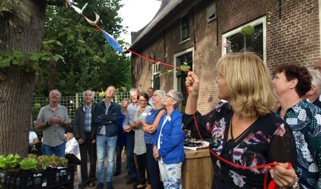 Het Open Huis van Tuingezel op de prachtige locatie Stadsboerderij het Buitenbeest aan de Voorweg werd creatief geopend door wethouder Ingeborg ter Laak. Foto: Simone Langeveld
