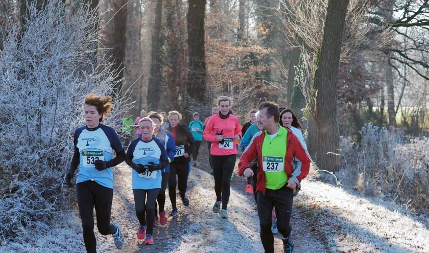 Voor veel hardlopers vaste prik op de agenda: de Snertloop in De Lutte in december. Inschrijven is nu al mogelijk.