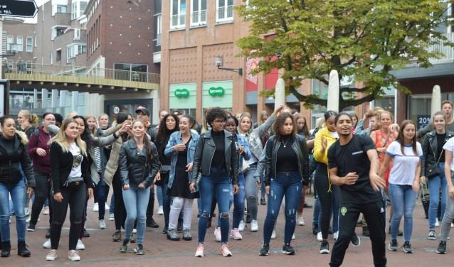 Flashmob door Albeda studenten