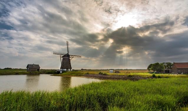 Met de overdracht van de twee Korendijkse molens vallen alle Hoeksche Waardse molens die ooit in gemeentelijk bezit waren onder Stichting Molens Binnenmaas. (Foto: Privé)