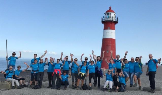 De leden van het Fytaal Cancer Support Team hebben er veel trainingsuren op zitten, zoals hier aan de Zeeuwse kust.