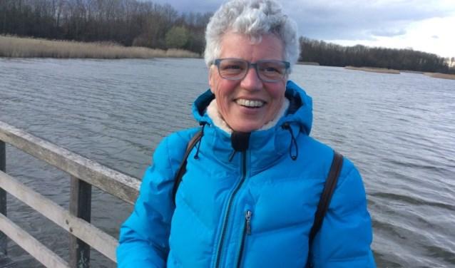 Docente Carla Verhoeven verzorgt op woensdag 26 september de beweegactiviteit 'Gymmen met hersenproblematiek' in Buurthuis de Schakel.