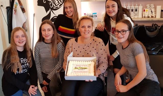 Charlotte Jansen met leerlingen OBC Bemmel