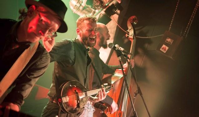 De band Bek vol Zand staat vrijdag 28 september bij de Folkclub Twente in Boekelo. Foto: Bart van Dijk