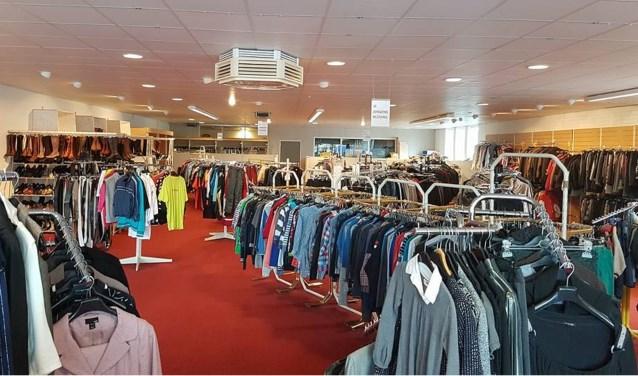Kledingbank Rijssen houdt een verkoopdag op 22 september, waarna de deuren twee weken worden gesloten.