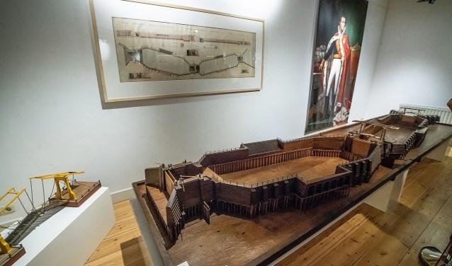 Maquette sluizencomplex Vreeswijk; bruikleen van Centraal Museum Utrecht; Foto: Nico van Ganzewinkel