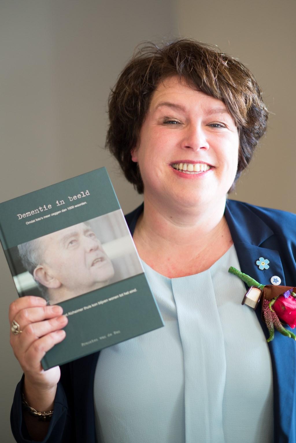 Francien van de Ven is woensdag 19 september te gast in de bibliotheek Helmond en vertelt over haar boek 'Dementie in Beeld'.