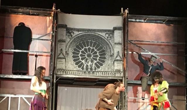 In het theater van de Campus aan de Emerweg brengt TNT Theatre op vrijdag 5 oktober twee keer het Franstalige stuk 'Notre Dame de Paris'.