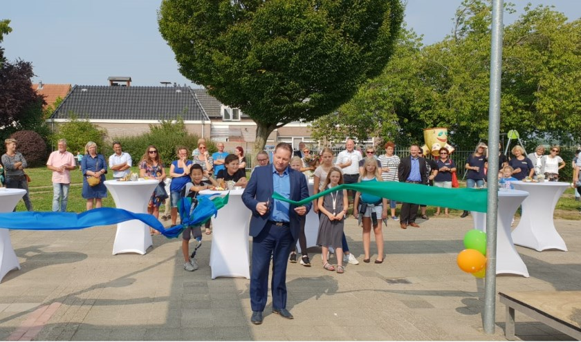 De officiële opening is nu een feit voor Daltonbasisschool de Waayer Wadenoijen.