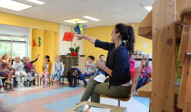 Voorlezen tijdens de Dag van de Duurzaamheid. Foto: Alma Streefkerk