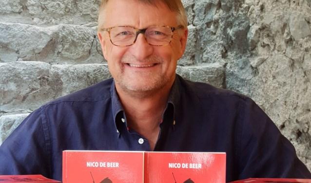 De Beer werkt op ROC Tilburg als docent Engels en Nederlands.