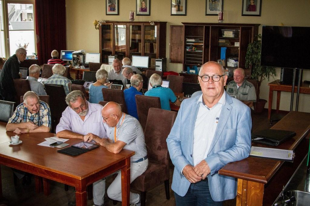Reinhold Kelderman is de nieuwe voorzitter van de Stichting Senioren Computersoos Duiven (Foto René Nijhuis Fotografie).