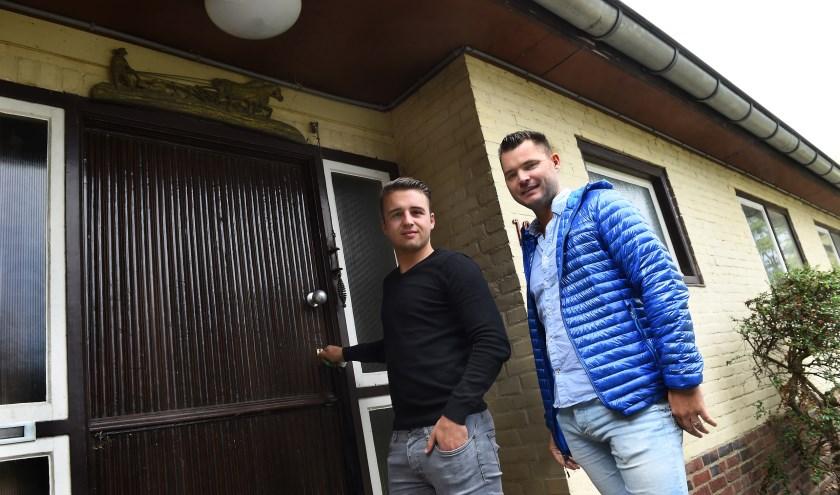 Tim Wormskamp (links) en Taco Hermeling bij de Escape room Terborg. (foto: Roel Kleinpenning)