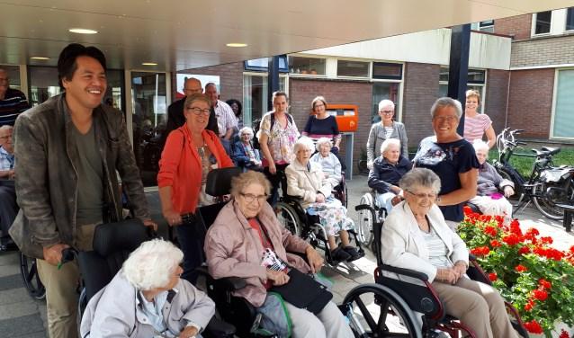 De Bewoners van De Borgstede hadden het prima naar de zin met de Gelukswandeling  (Foto: PR)