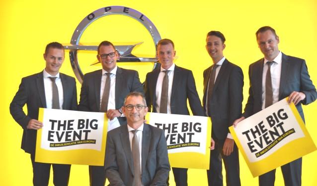 Het team van Opel-dealer Van Mossel OPC aan de Afrikalaan 2 in Den Bosch.