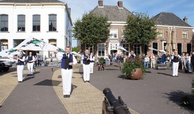 Vendeliers openen de Bockbierdag in Aalten. Foto: PR