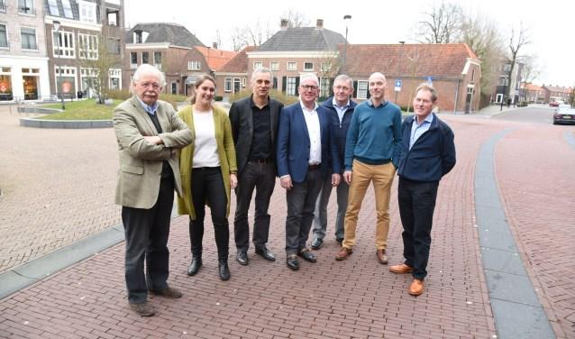 Van links naar rechts: dhr. Van Arkel, mevr. Spekhorst, dhr. Groenewoudt, dhr. Nijkamp, dhr. Brinkers, dhr. KleinJan en dhr. Slagman.