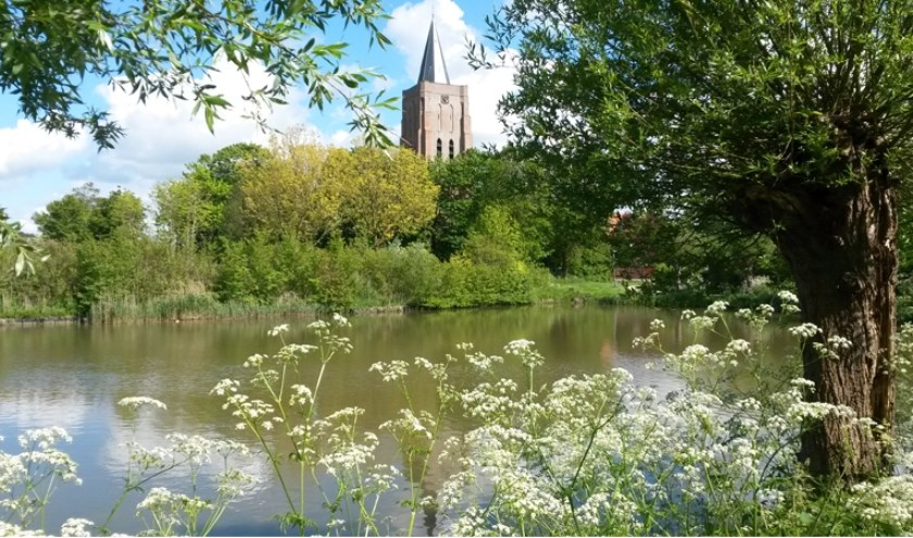 Zicht op de Dorpskerk Oostkapelle