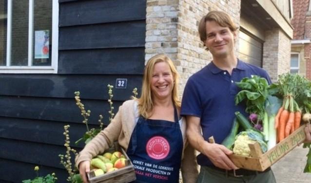 Rieteke Peteroff en haar man Ewout-Jan van den Bos opende onlangs een Rechtstreex afhaalpunt in Heerjansdam.