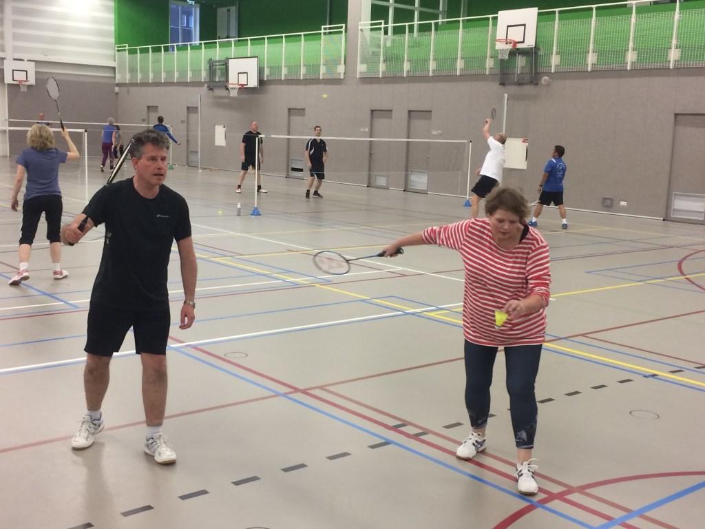 Plezier, sportiviteit en gezelligheid bij OSM Badminton. Foto: Ronald Koenis © Persgroep