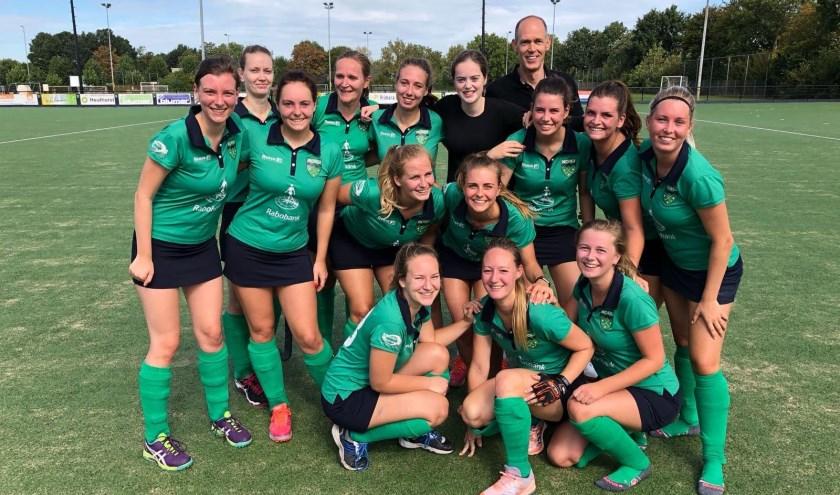 Afgelopen zondag speelden de dames van HCOIJ voor het eerst een wedstrijd in een hogere klasse. Het werd 1-1 tegen Apeliotes.