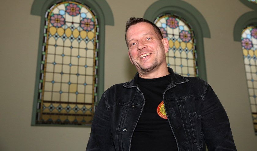 Erik wil sociaal ondernemen en samen met de vrijwilligers Het Klooster openhouden. Foto: Theo van Sambeek.