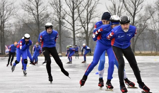 Buiten het rijden op een indoorschaatsbaan organiseert SVV Woudenberg ook natuurtochten en wedstrijden.