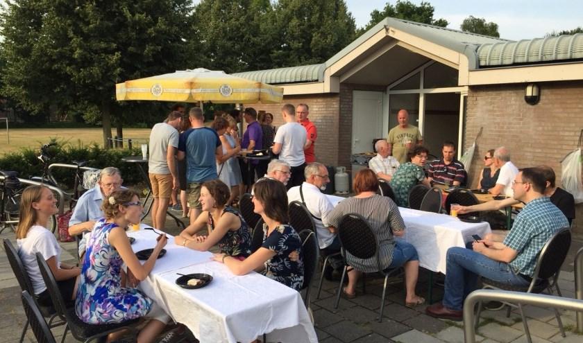 Het Kerkeveld Orkest sloot het seizoen af met een barbecue bij OZO. (Foto: HKO)
