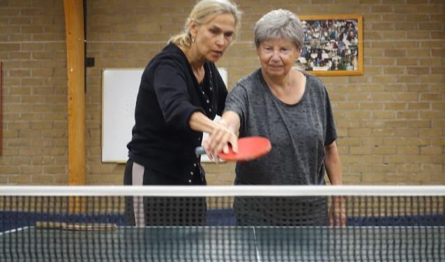 """""""Je bent nooit te oud om iet nieuws te proberen."""" Het is de belangrijkste boodschap van kampioen tafeltennis Bettine Vriesekoop."""