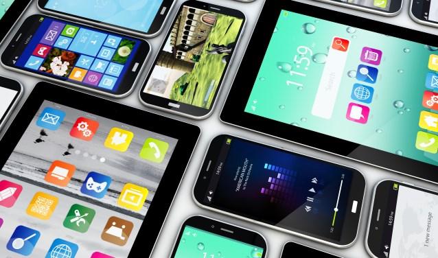 Waarom moet je die allernieuwste iPhone hebben?  Mirjam Bemelmans stelt het aan de orde.