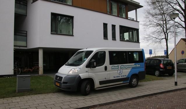 De Mooi Meegenomen Bus is een vertrouwde verschijning in het straatbeeld van de gemeente Hellendoorn. Foto: Stichting De Welle.
