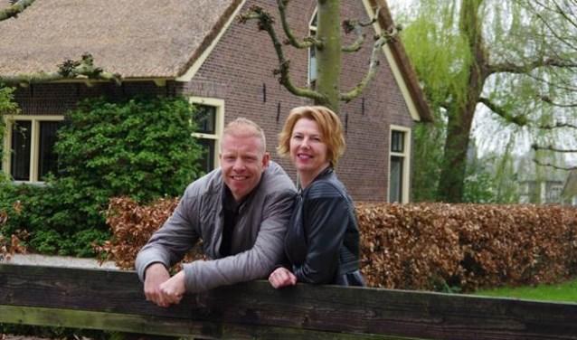 Patrick Dongelmans en Helma Christ, gebiedsadviseurs voor Hazerswoude-Rijndijk, Hazerswoude-Dorp, Benthuizen en Koudekerk aan den Rijn.
