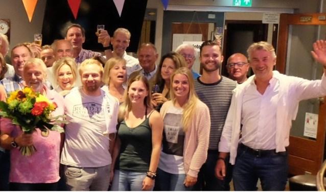 De kampioenen tijdens de huldiging op Elfhoeven.