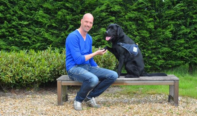Veteraan Patrick Kaslander en zijn veteranenhond Vigo