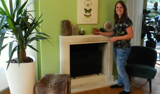 Interieurstyliste Nicole voegt Avontuurlijke accessoires toe aan het interieur.